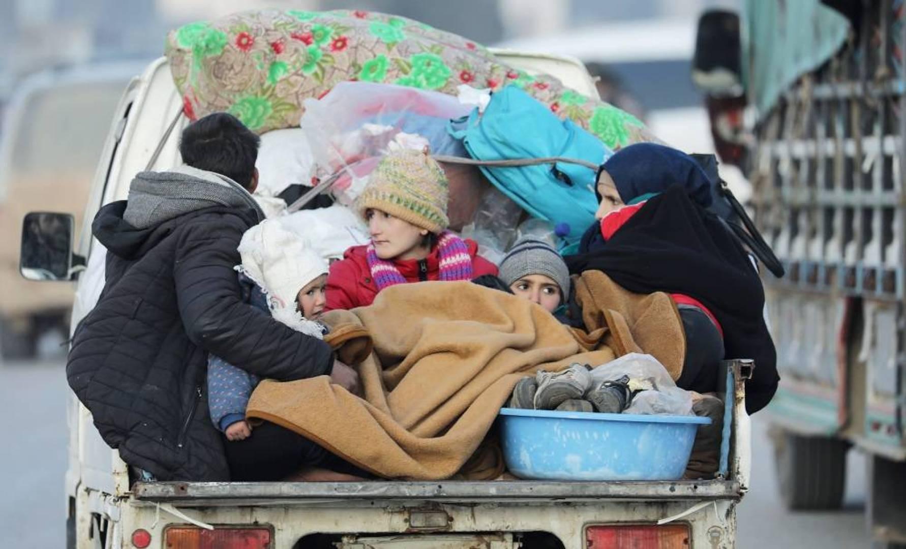 أكبر موجة نزوح بسوريا منذ بدء الحرب.. نصف مليون طفل مهدد