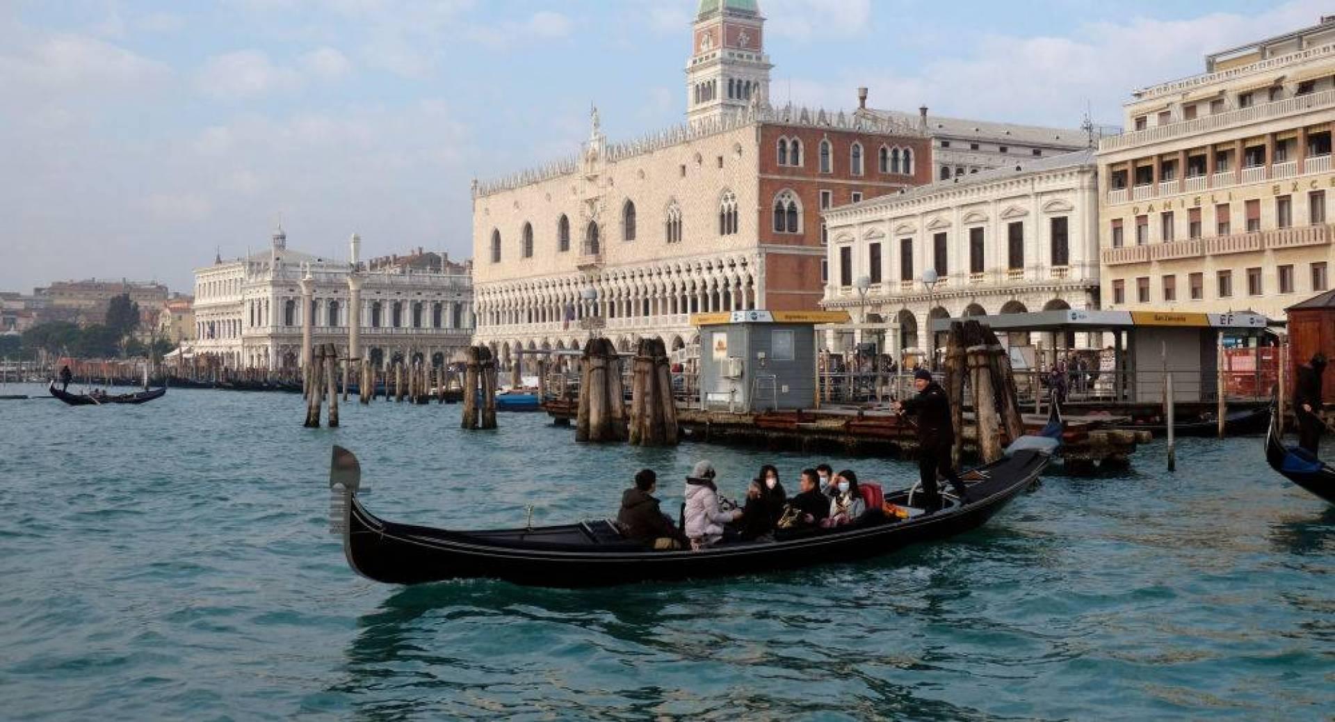 إيطاليا تقرر إلغاء مهرجان «البندقية» بسبب مخاوف «كورونا»