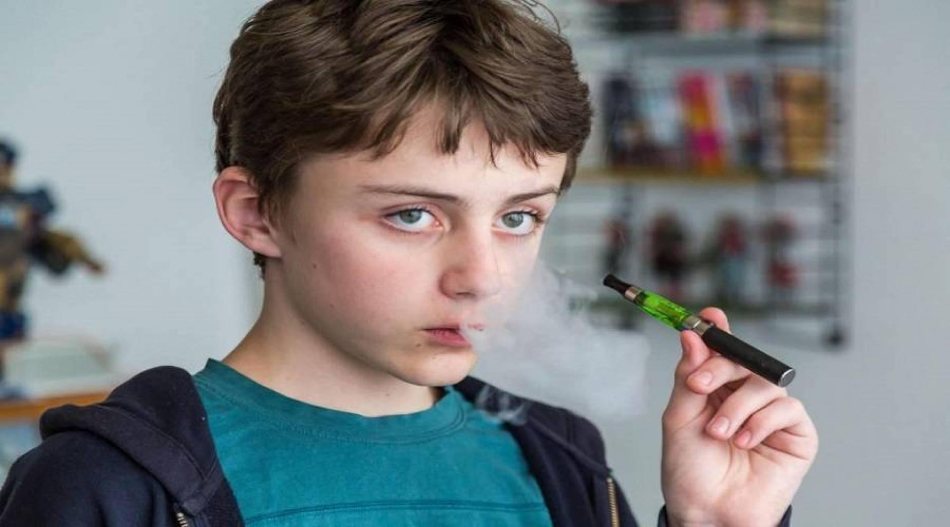 نيوزيلندا تحظر إعلانات السجائر الإلكترونية وبيعها للقُصر