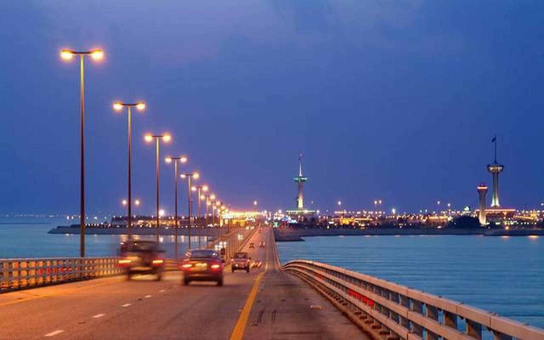 السعودية تنفي إغلاق الجسر الرابط بين المملكة والبحرين بسبب كورونا