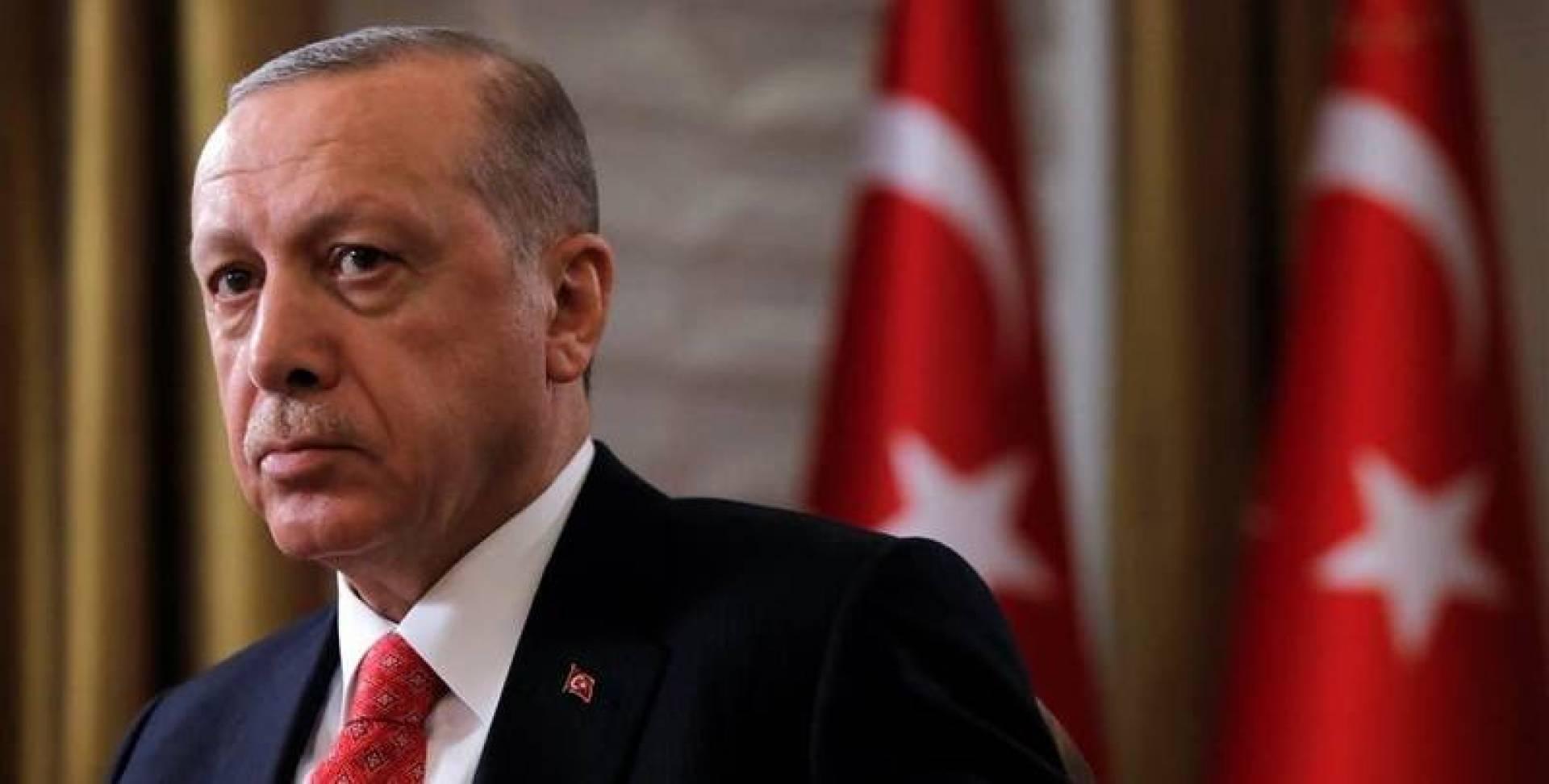 بعد داود أوغلو.. باباجان يتحدّى أردوغان