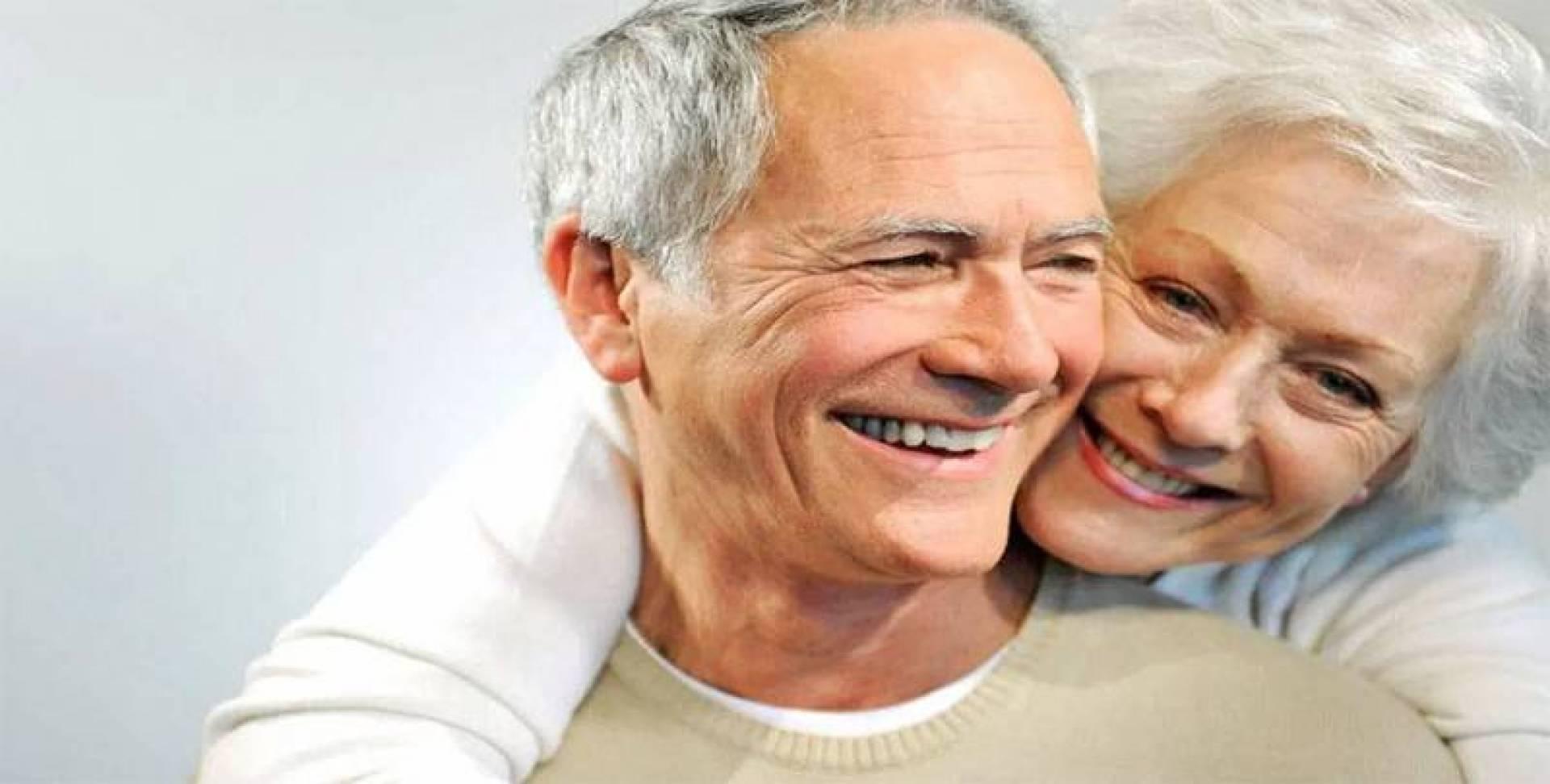 باحثون يضعون نظامين غذائيين لإبطاء الشيخوخة المبكرة