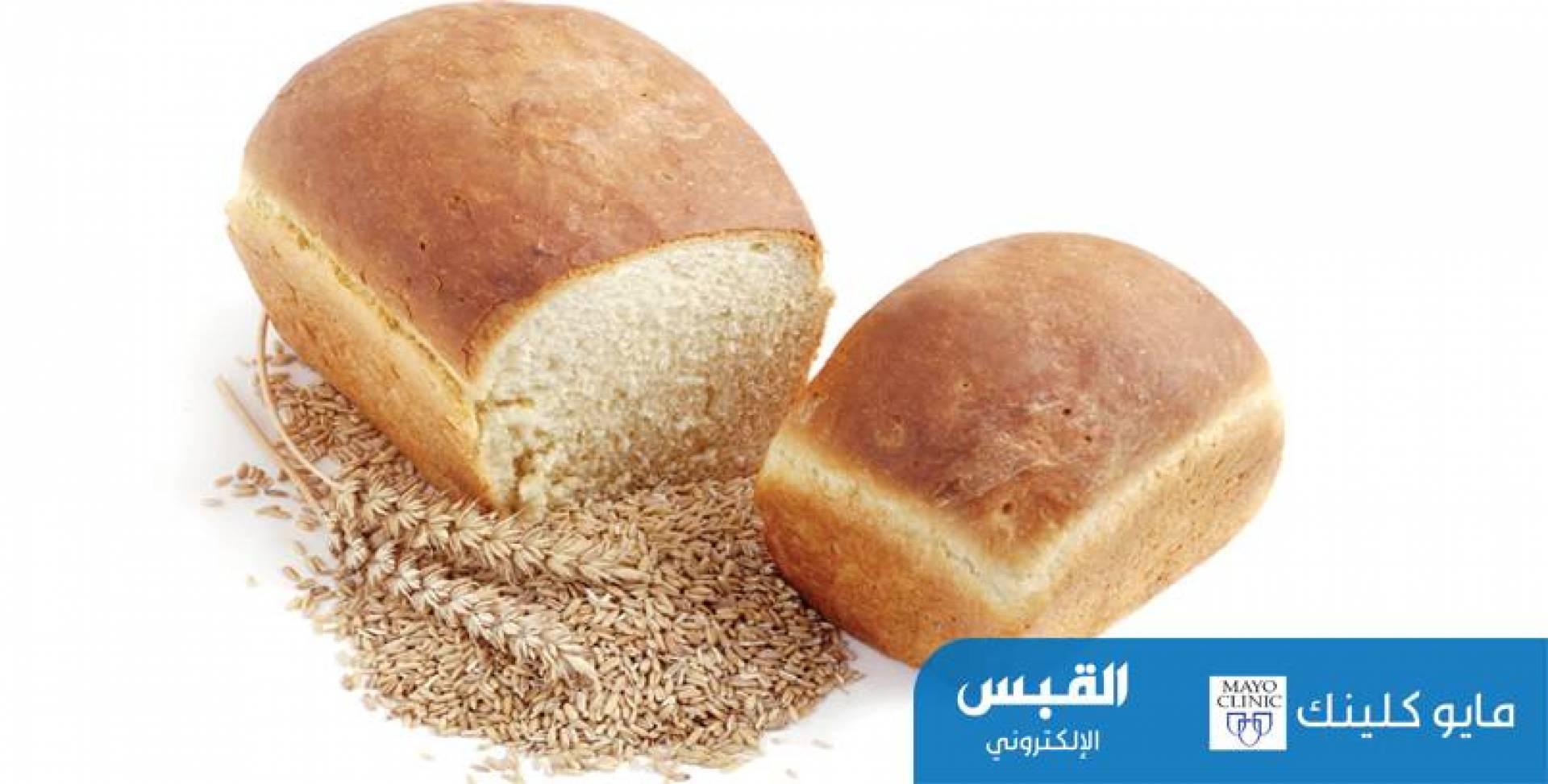 الخبز الأبيض المصنوع من القمح الكامل..هل يحتوي على قيمة غذائية؟