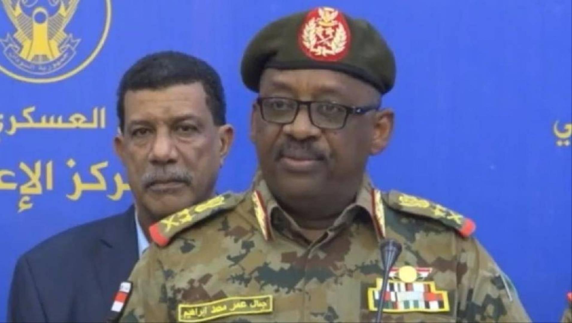 وفاة وزير الدفاع السوداني بمرض في جوبا