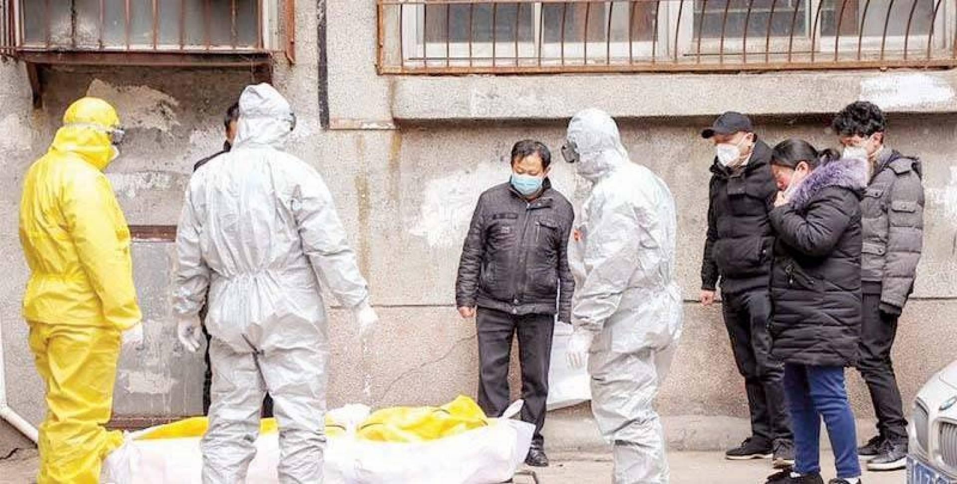 لجنة الصحة الصينية أمرت بحرق جثث كثيرة ومنعت الجنازات لقتلى «كورونا»