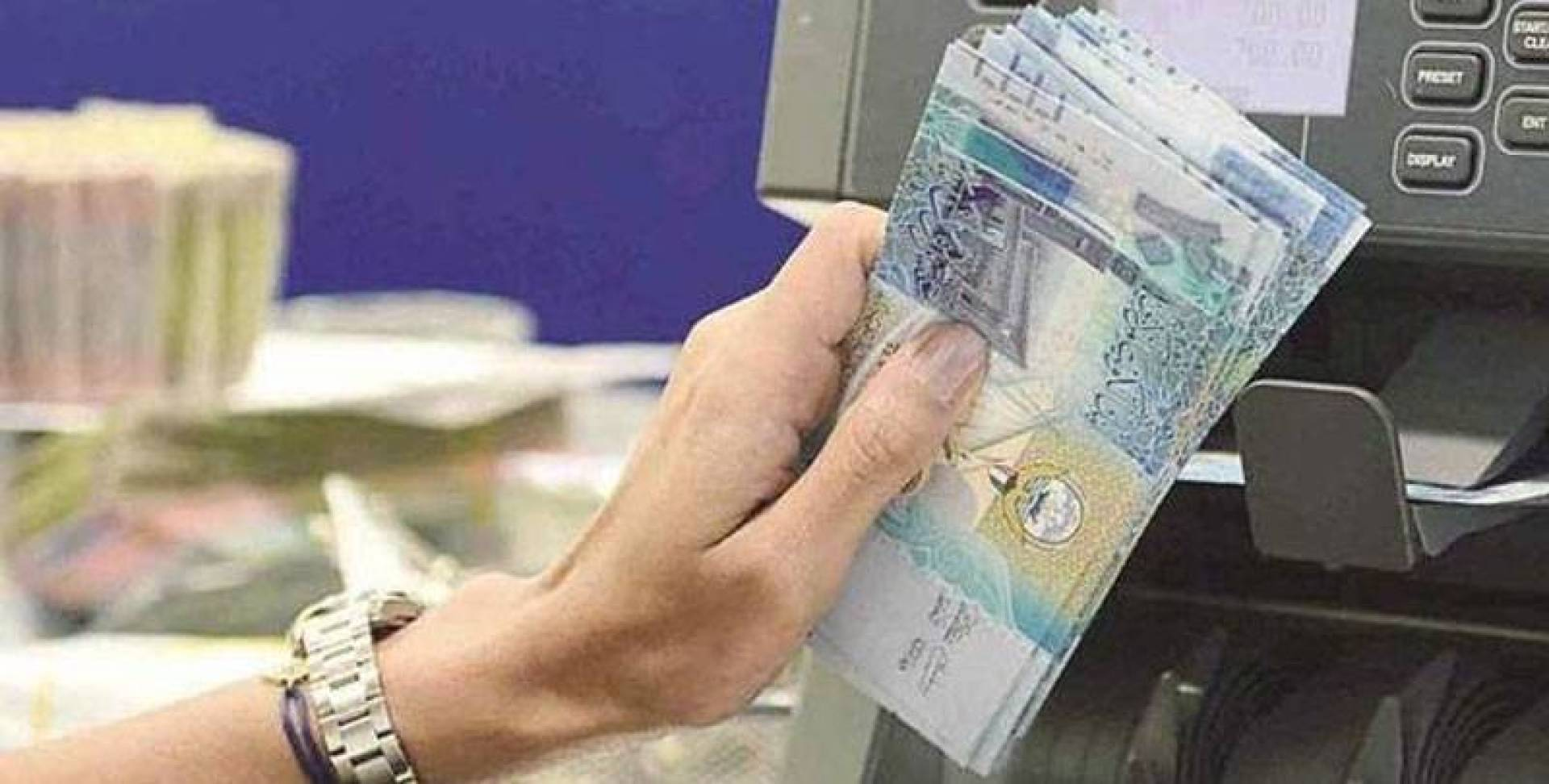 مصادر مصرفية لـ«القبس»: بنوك ستؤجل أقساط المقيمين أسوة بالمواطنين