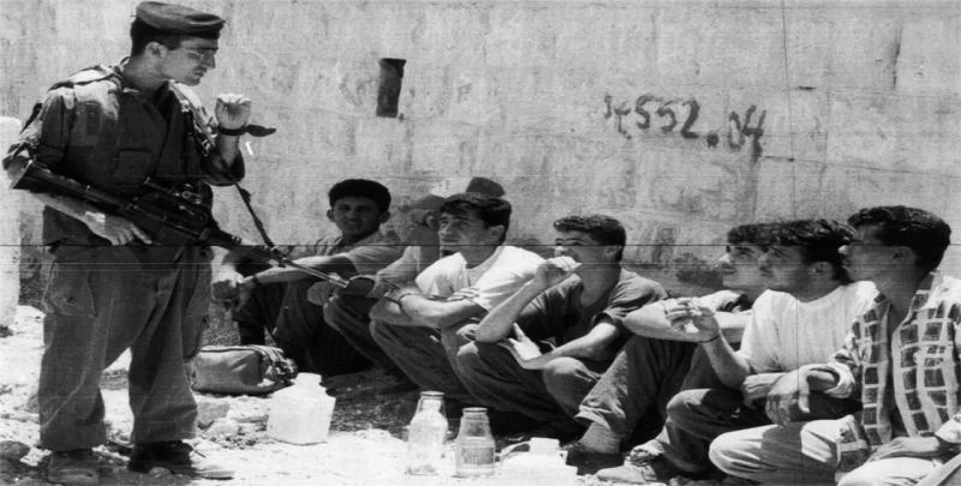 المعتقلون الفلسطينيون في سجن بئر سبع.. أرشيفية