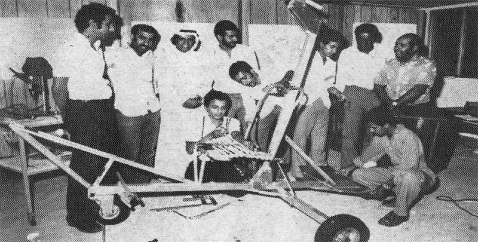 الطاقم الكويتي المشترك بصناعة الطائرة.. أرشيفية