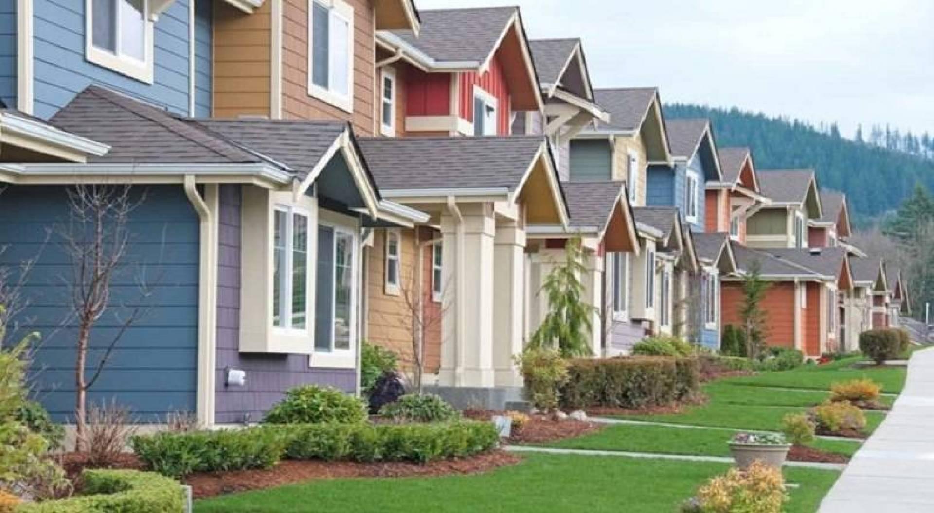 مبيعات المنازل الأميركية تسجل أكبر تراجع في 10 سنوات