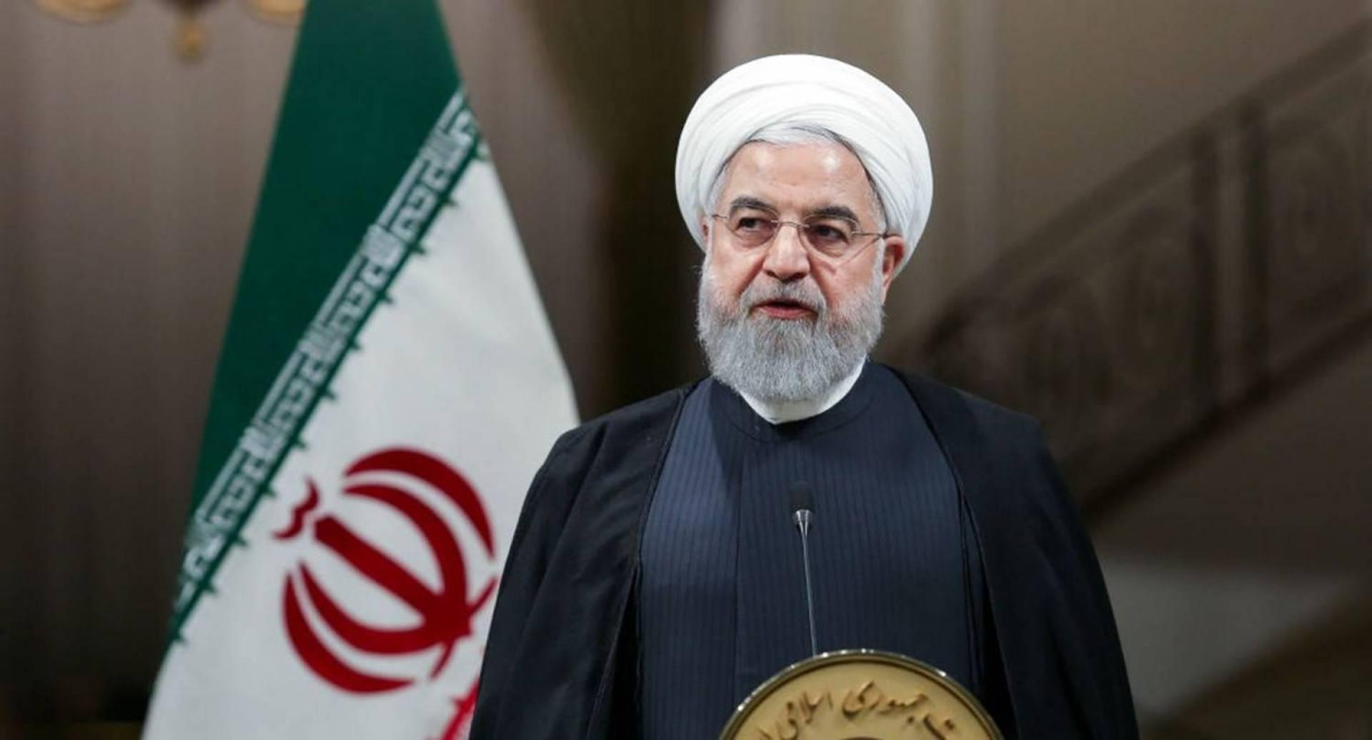 روحاني: إيران تعيد فتح الأماكن الدينية والثقافية