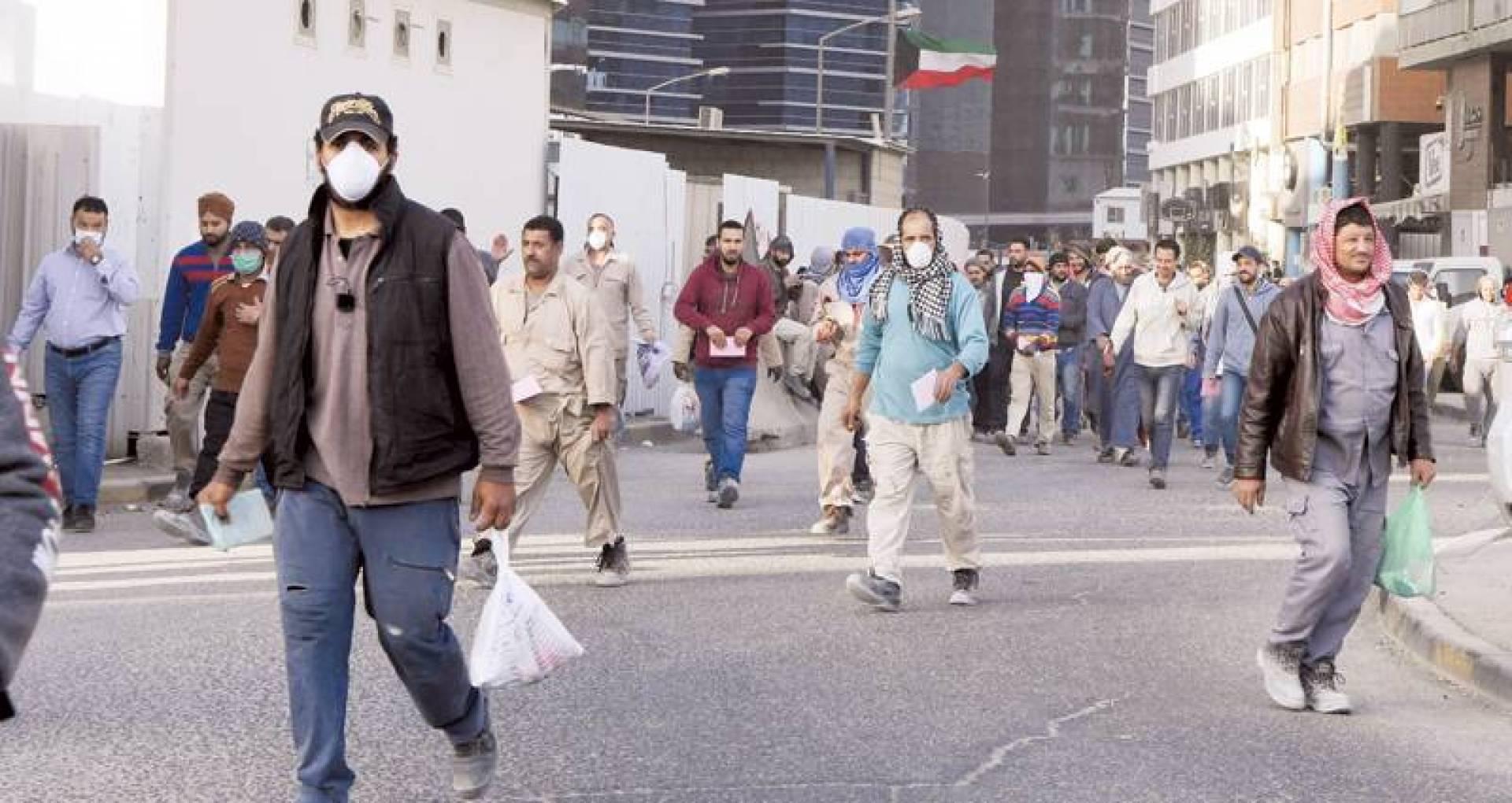 ضوابط حكومية للقضاء على ظاهرة العمالة الهامشية (تصوير: محمود الفوريكي)