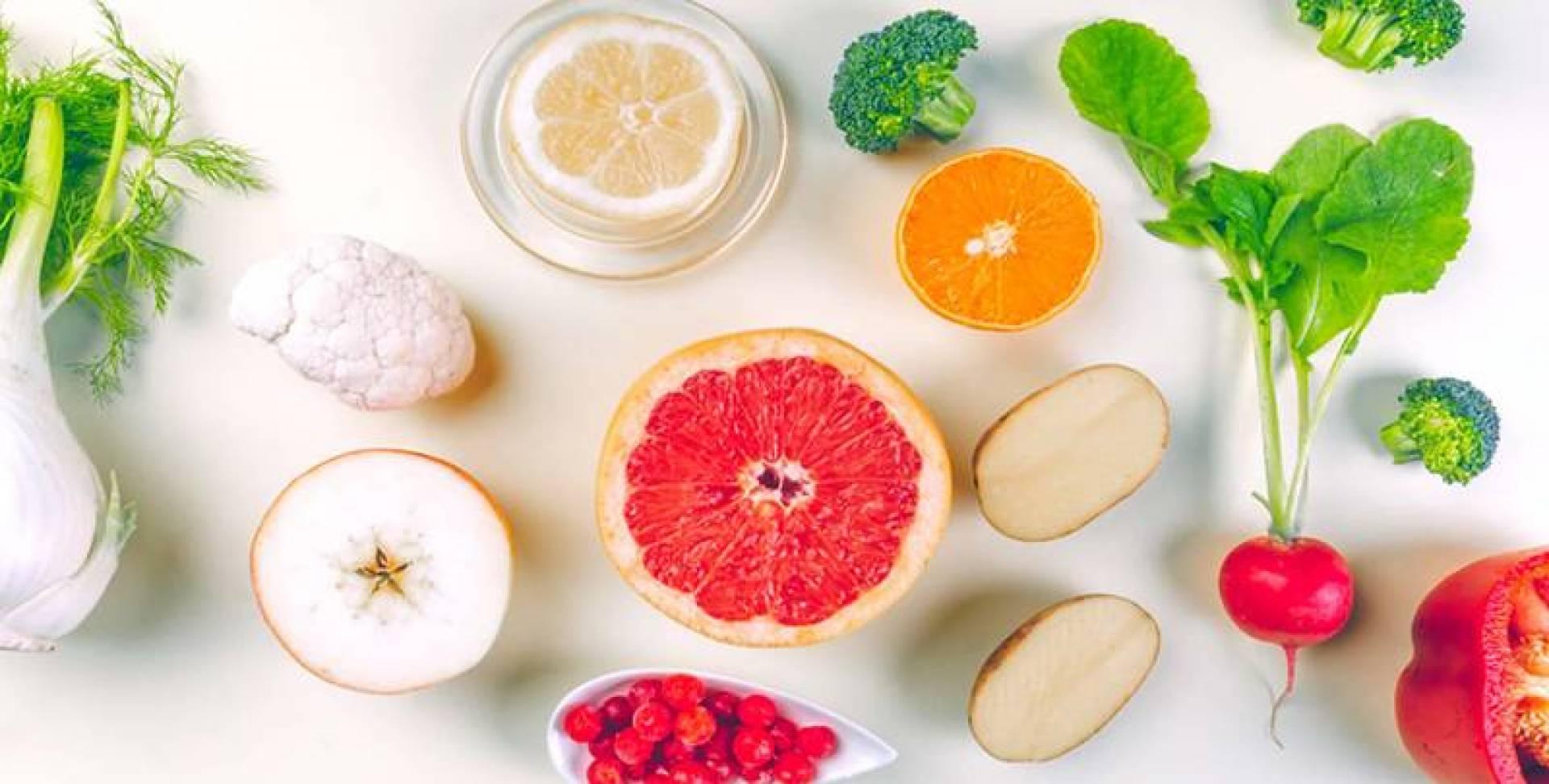 تناول الحلويات والأغذية المصنعة بكثرة.. يُضعف المناعة