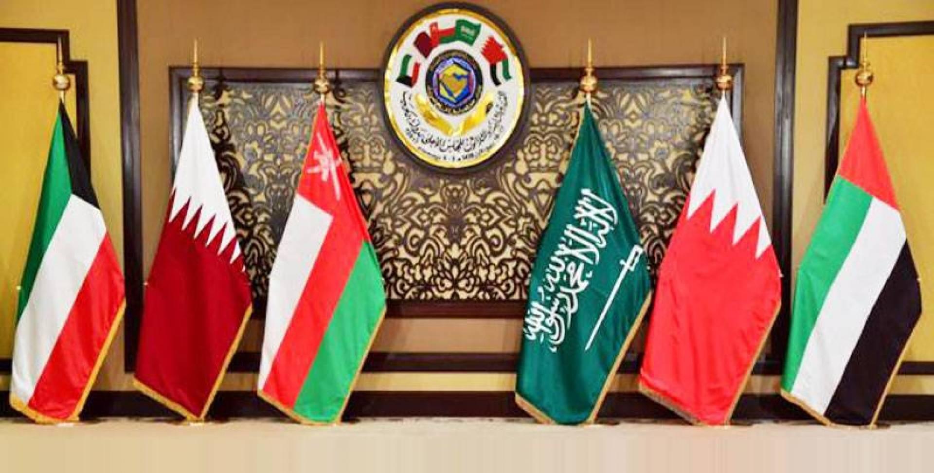 الكويت تعمل لتبريد الأزمة الخليجية ووقف الحملات الصارخة