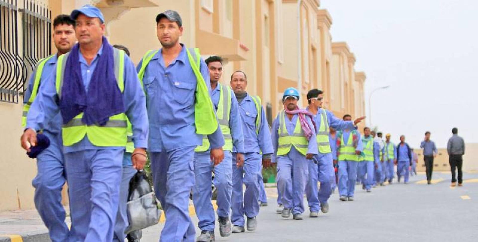 العمالة الوافدة في الخليج تواجه أزمة كورونا