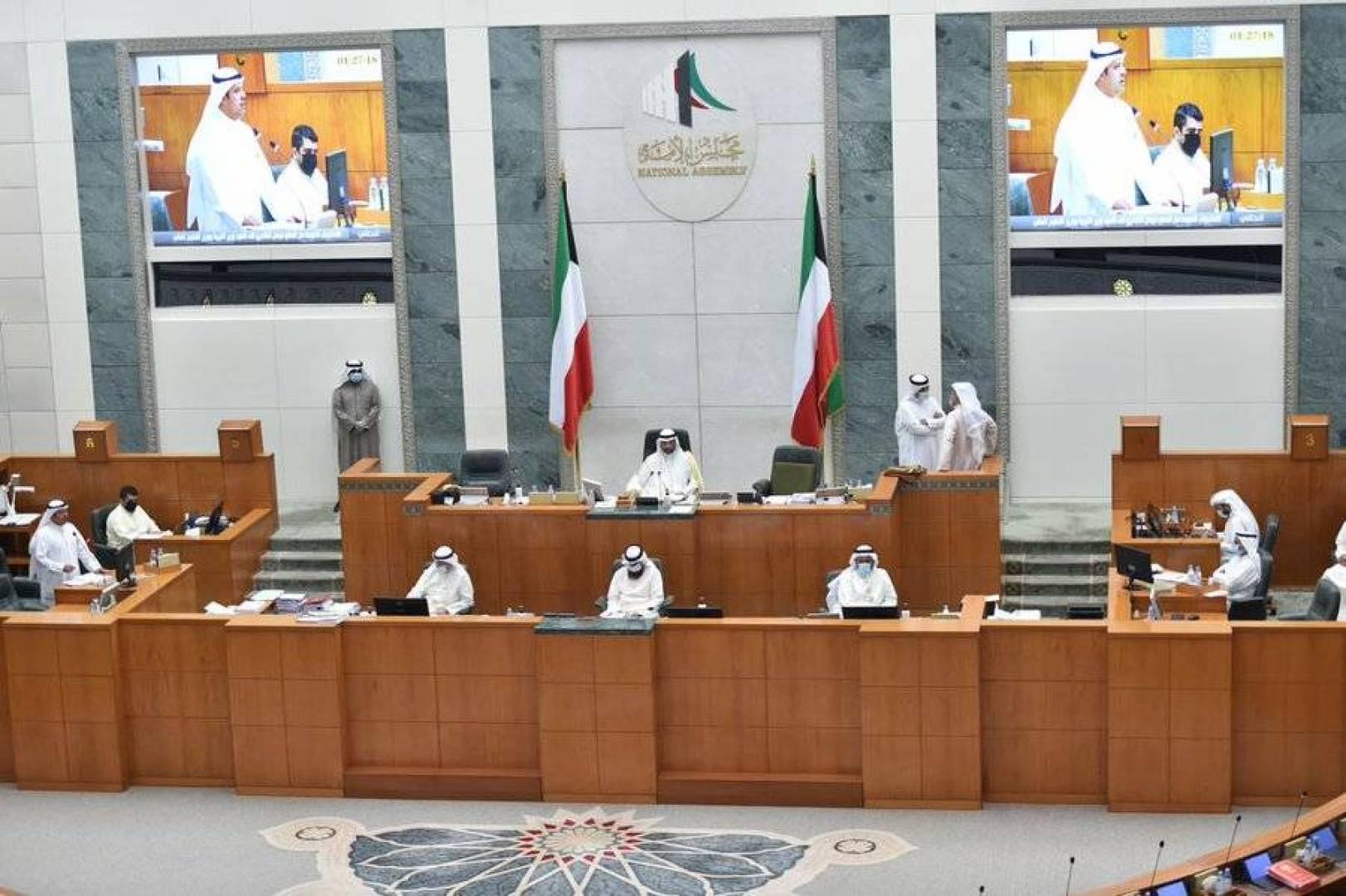رئيس الوزراء يُثني على نواب المجلس.. والغانم: رئيس الحكومة متعاون إلى أبعد حد