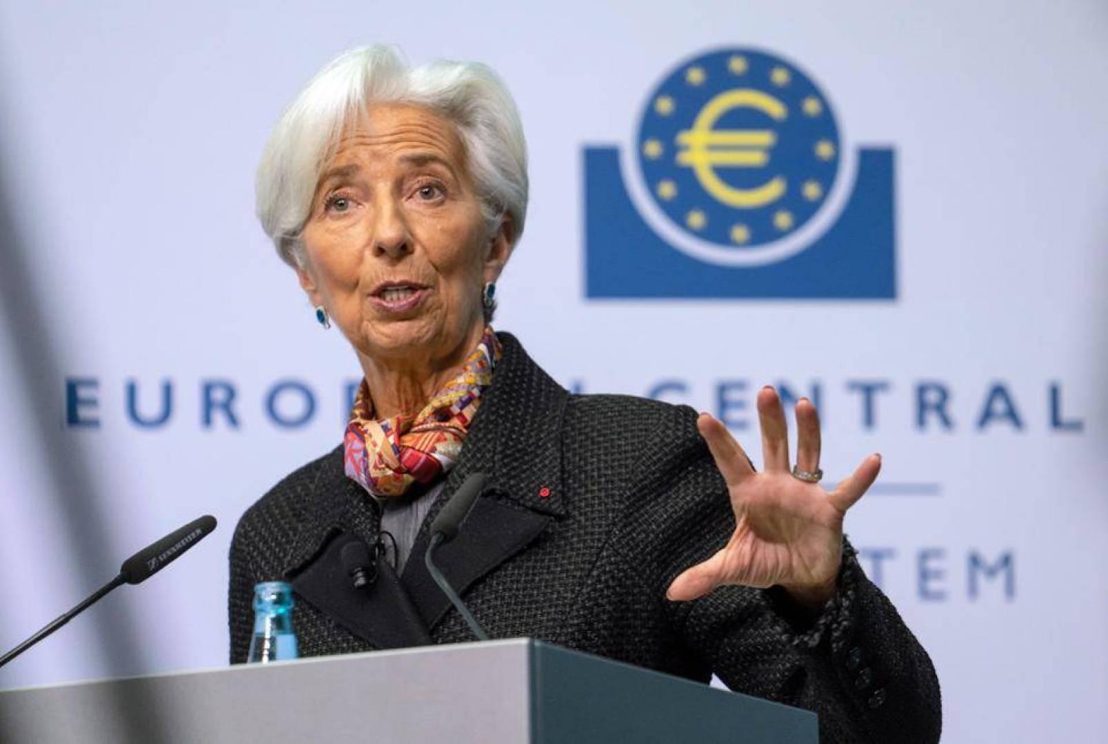 لاجارد تبلغ قادة الاتحاد الأوروبي بأن الاقتصاد يشهد تراجعاً هائلاً