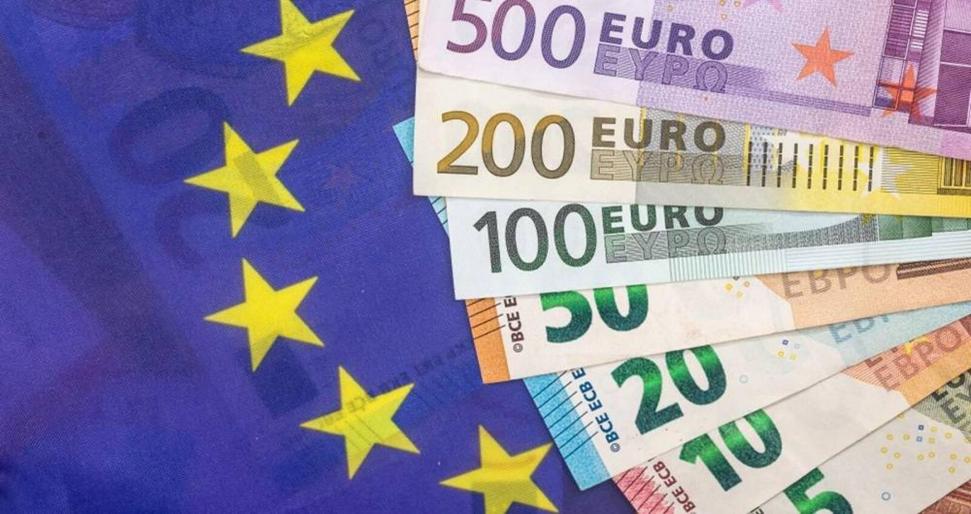 انحسار التراجع بمنطقة اليورو في يونيو مع استئناف النشاط الاقتصادي