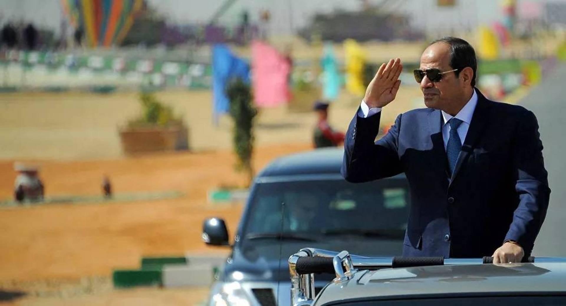 السيسي: الجيش المصري من أقوى جيوش المنطقة.. لكنه يحمي ولا يهدّد
