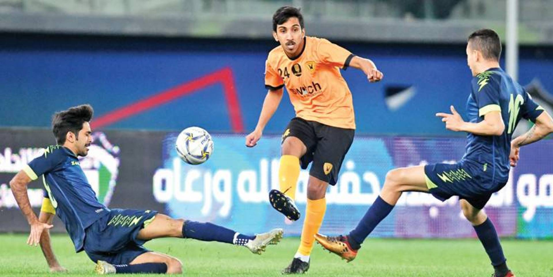 عبدالله ماوي لاعب القادسية في لقاء فريقه أمام الساحل بكأس الأمير