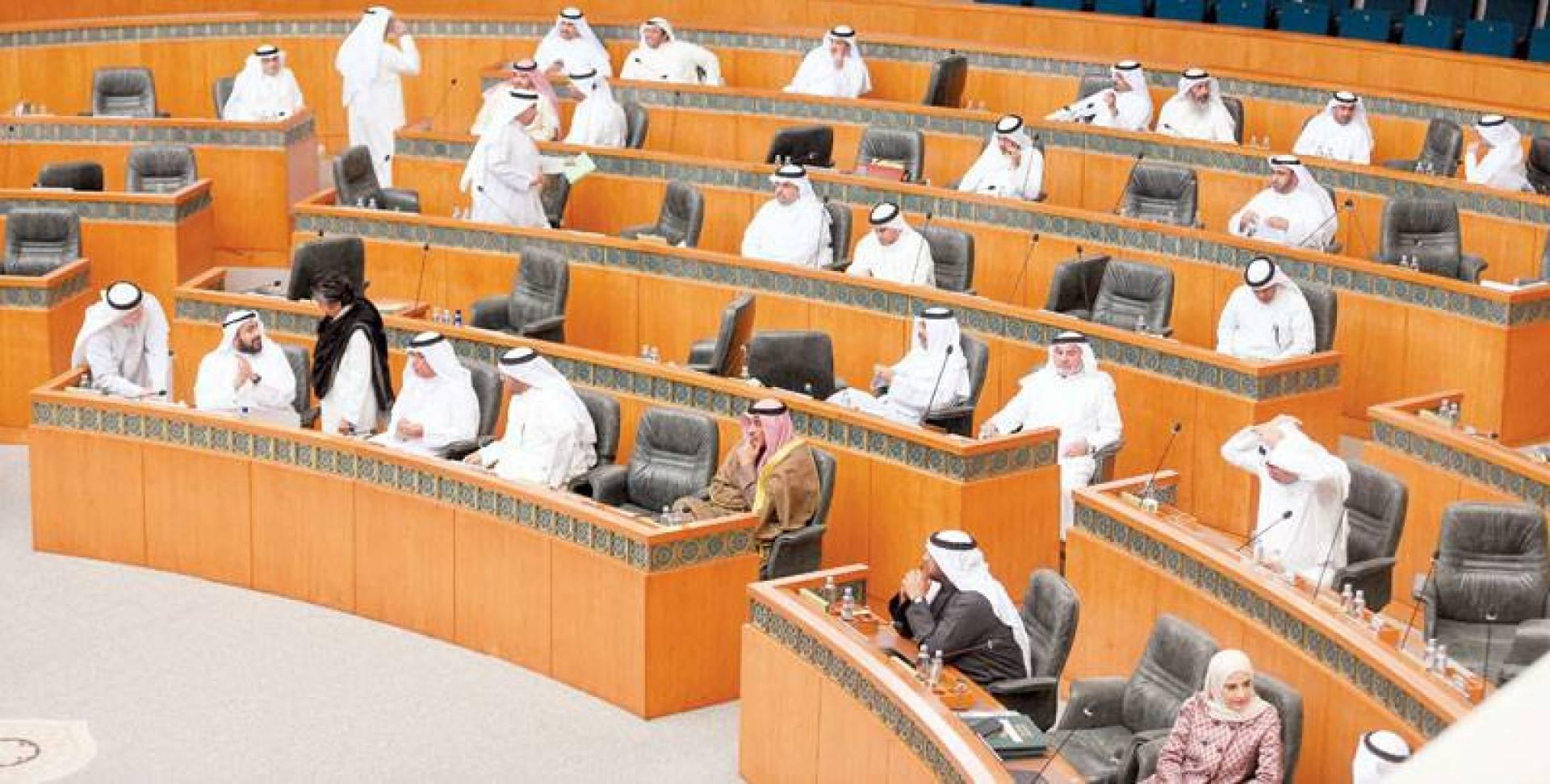 الحكومة والمجلس أمام تحدي عجز الميزانية