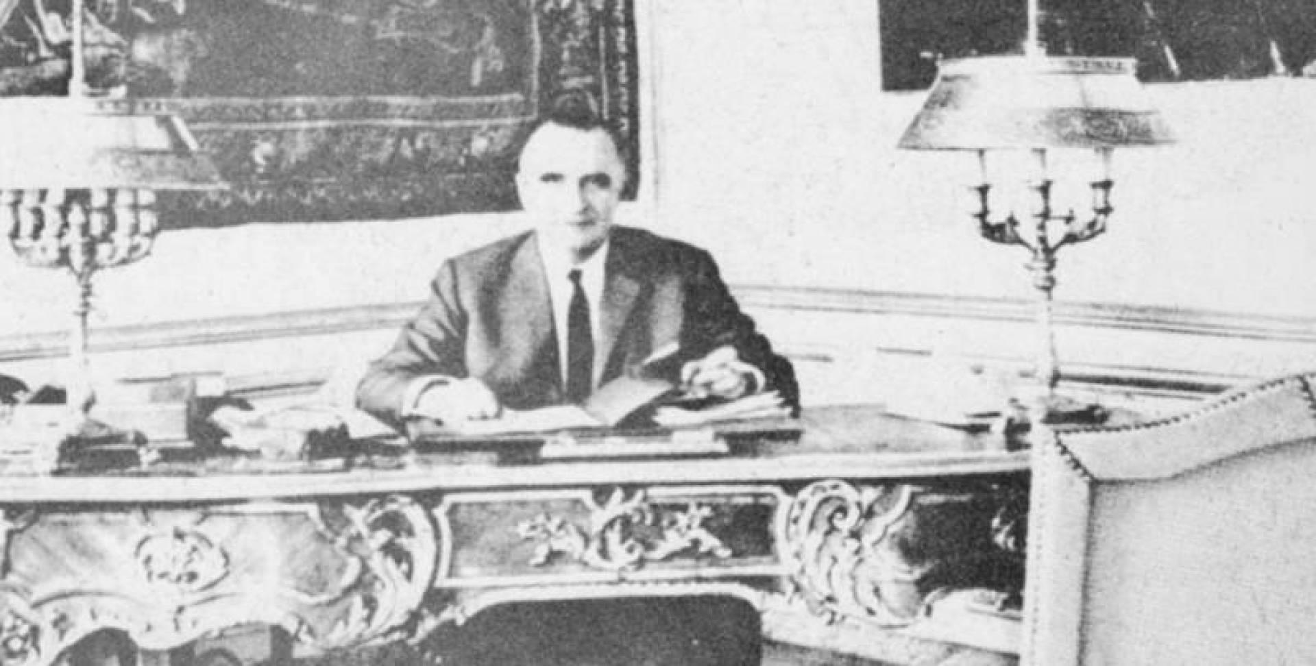 جورج بومبيدو يوم كان رئيسا لوزراء فرنسا
