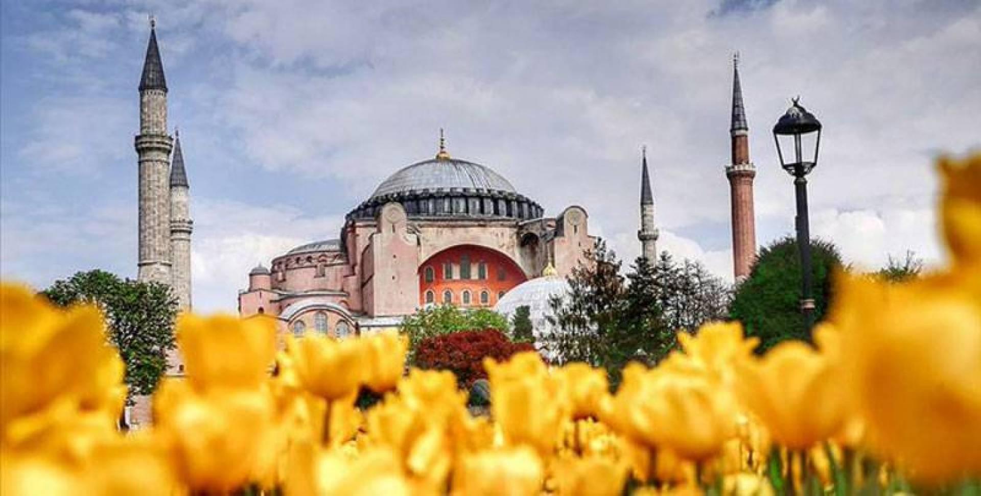 «واشنطن بوست»: أردوغان افتتح «أيا صوفيا» بعد تراجع شعبيته محلياً