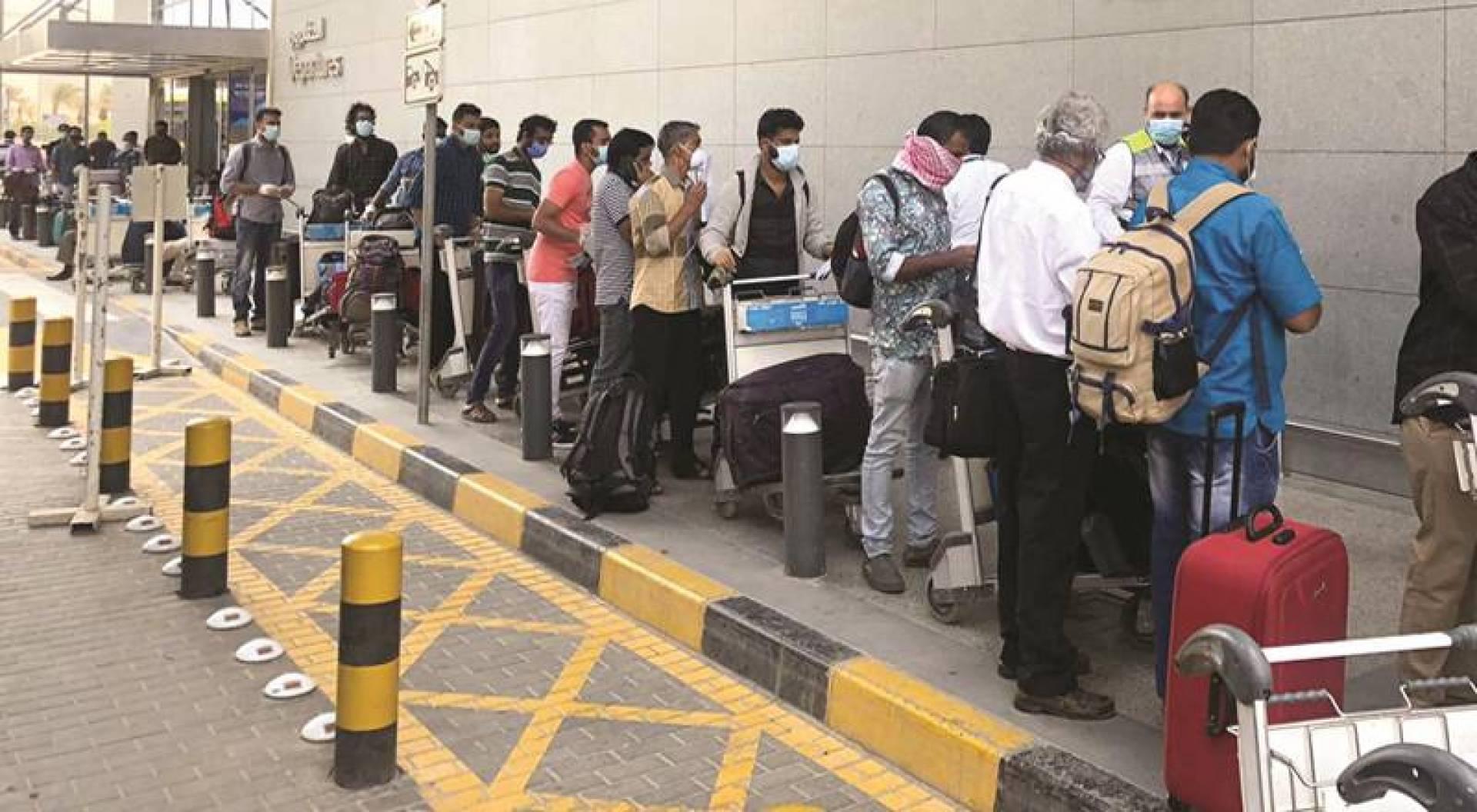 800 ألف هندي قد يعودون إلى بلدهم