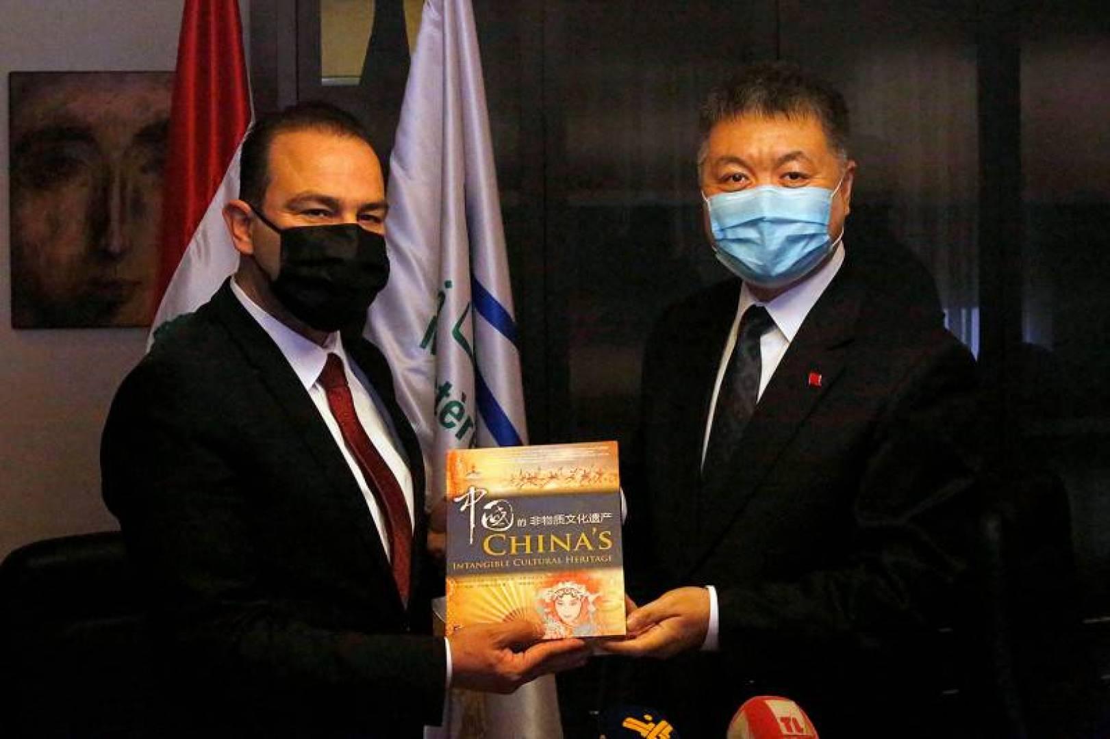 فورين بوليسي: الصين تريد أن تصبح المنقذ للبنان