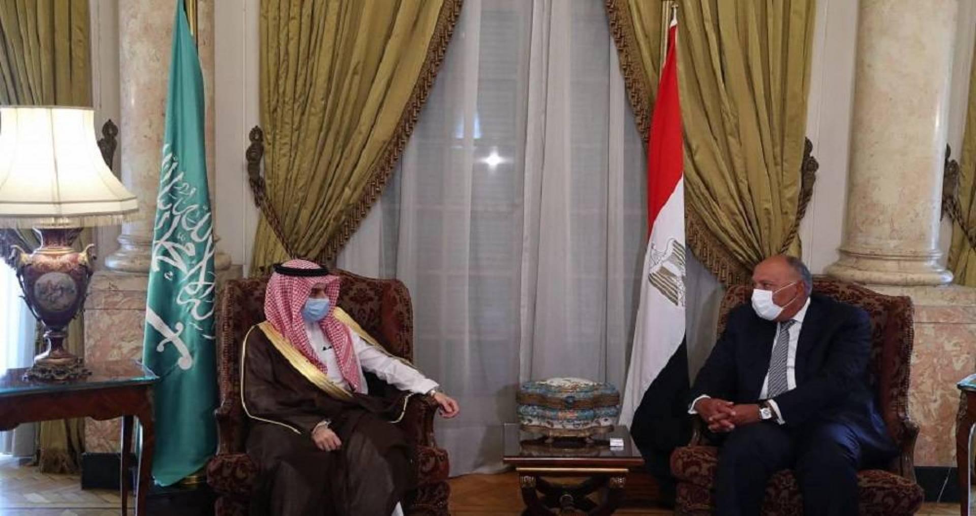 وزير الخارجية السعودي يؤكد من القاهرة الدعم الكامل لمصر في أزمة ليبيا