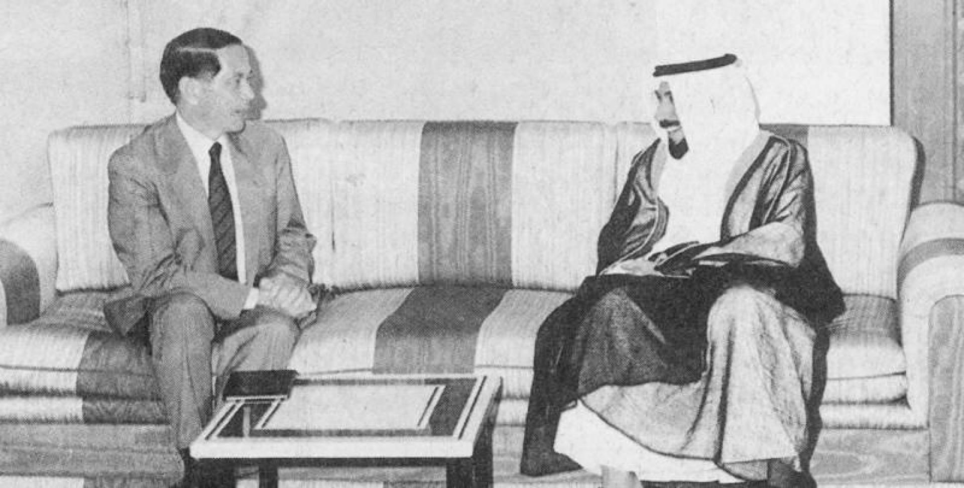سمو الشيخ جابر الأحمد لدى استقباله الدكتور أسامة الباز مستشار الرئيس المصري حسني مبارك