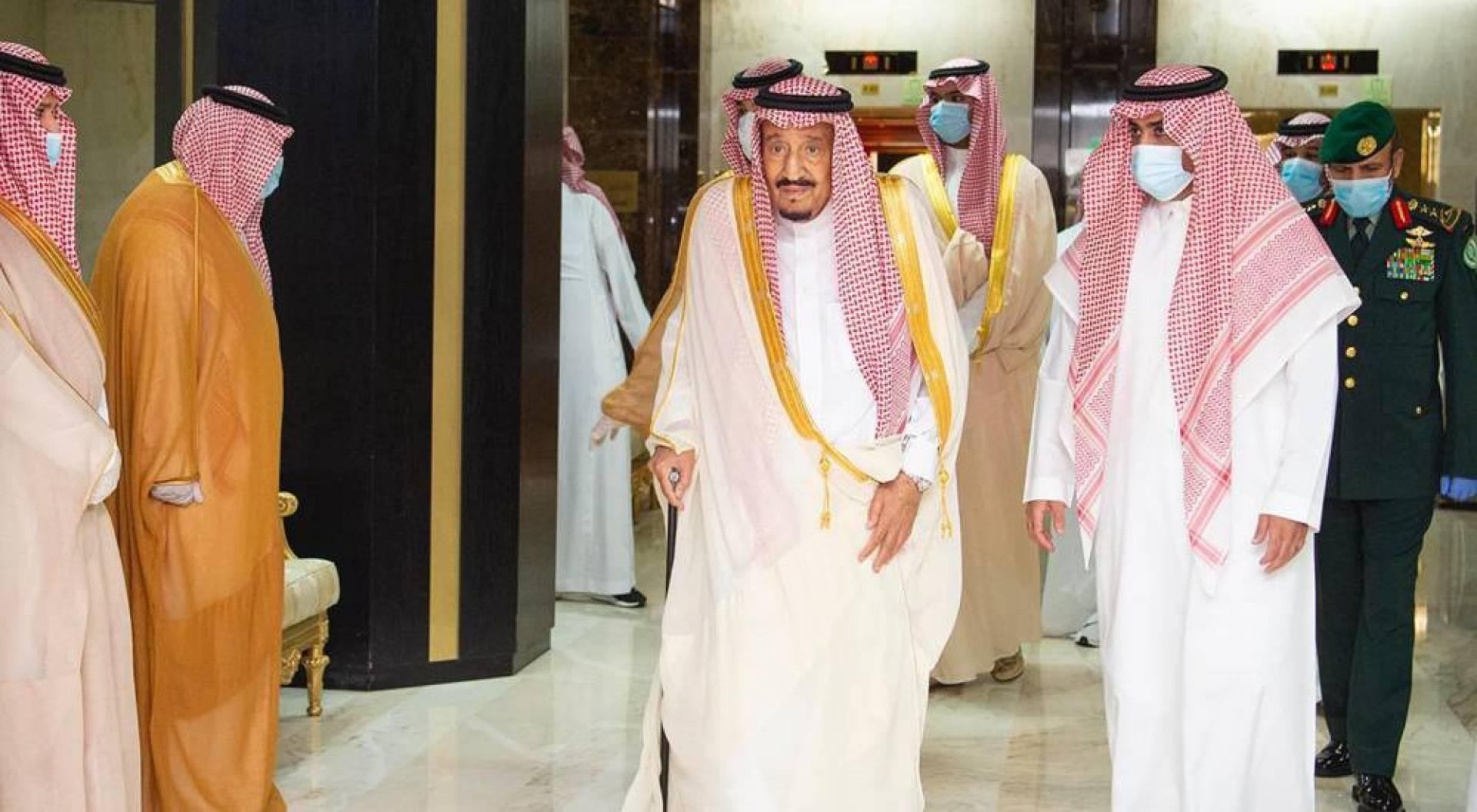 الملك سلمان يهنئ جميع المسلمين بعيد الأضحى المبارك