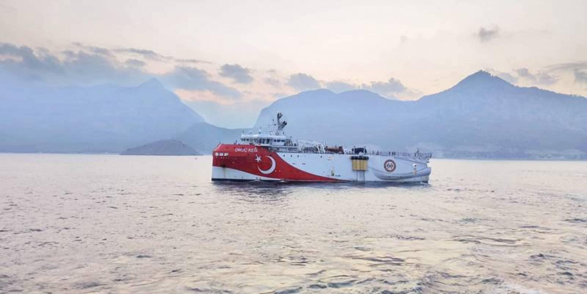 «عروج ريس» تبحر في المتوسط بعد مغادرة ميناء في أنطاليا (رويترز)