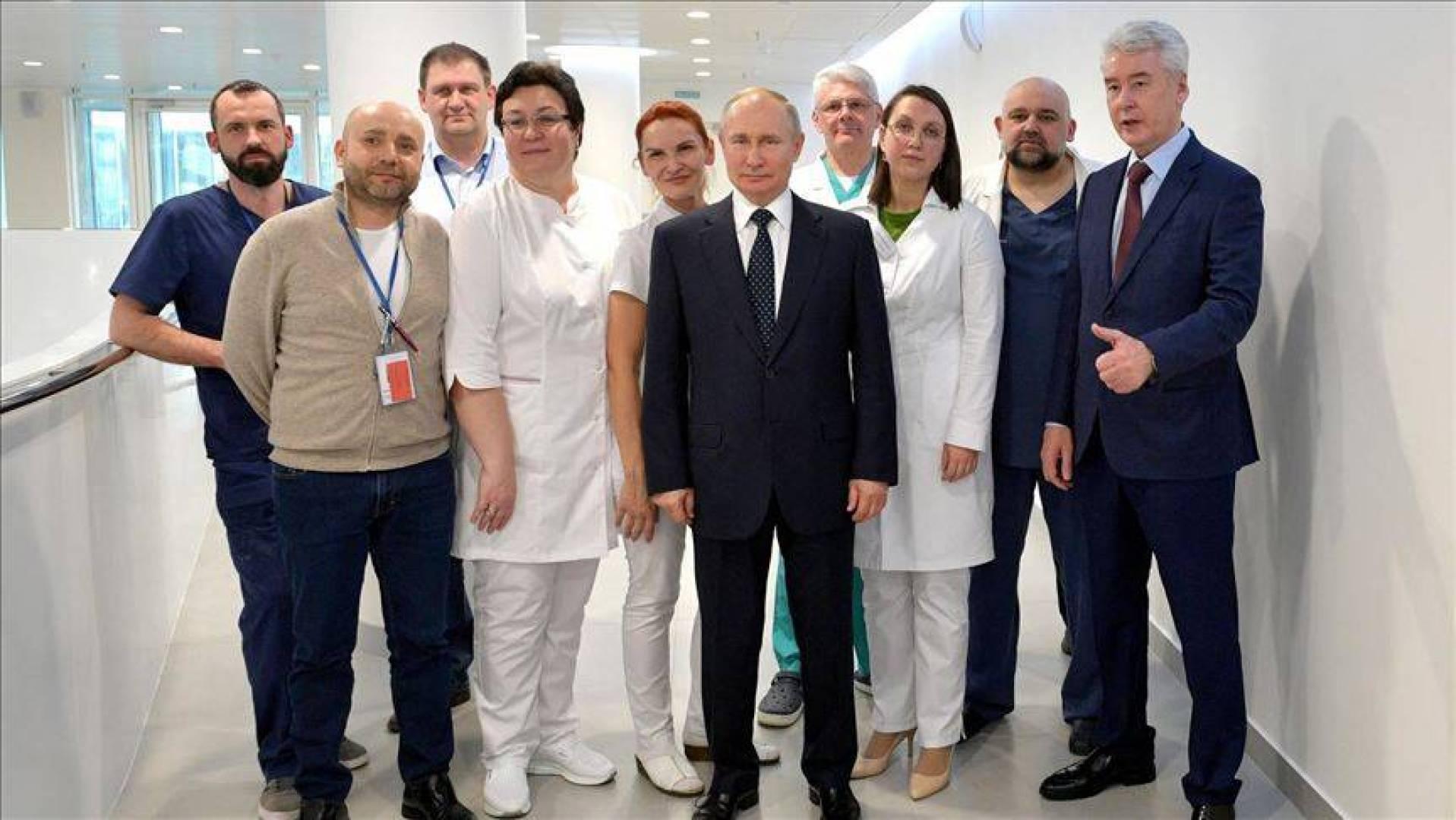 الرئيس الروسي يعلن تسجيل أول لقاح في العالم مضاد لفيروس كورونا
