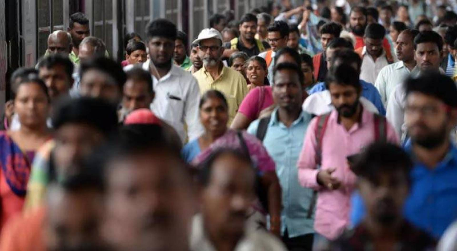 الهند تتصدر عدد سكان العالم في  2100