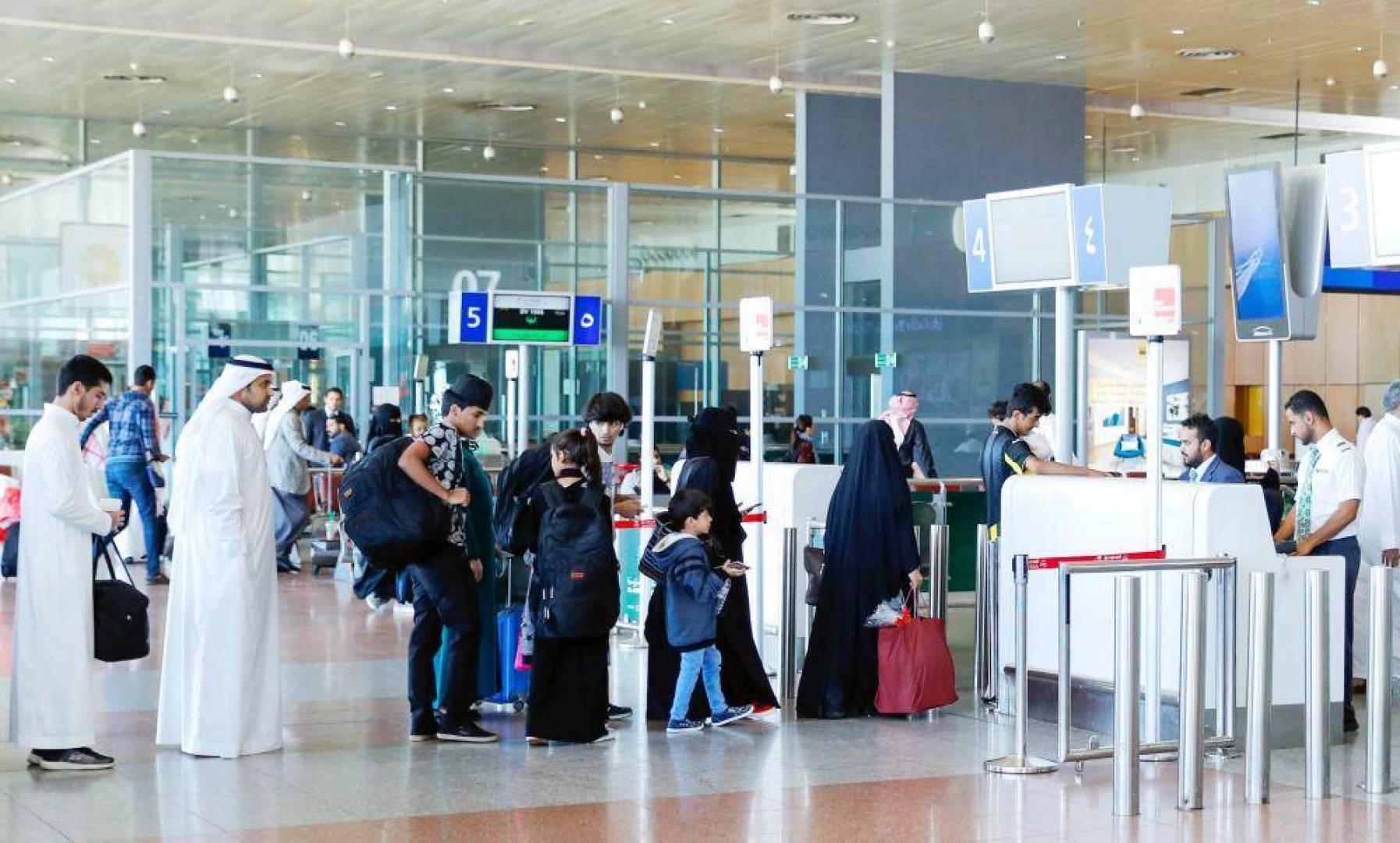 السعودية: 3 أيام حجراً منزلياً للقادمين للمملكة