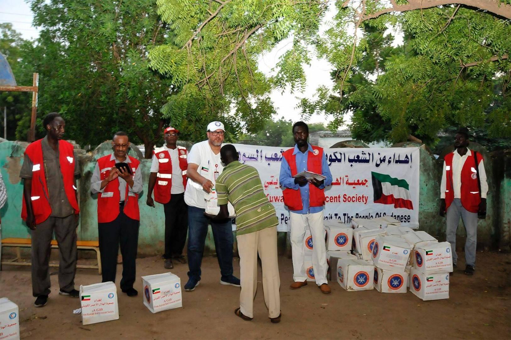 الهلال الأحمر الكويتي ينشئ مخيم إيواء ثانٍ لمتضرري الفيضانات بالسودان