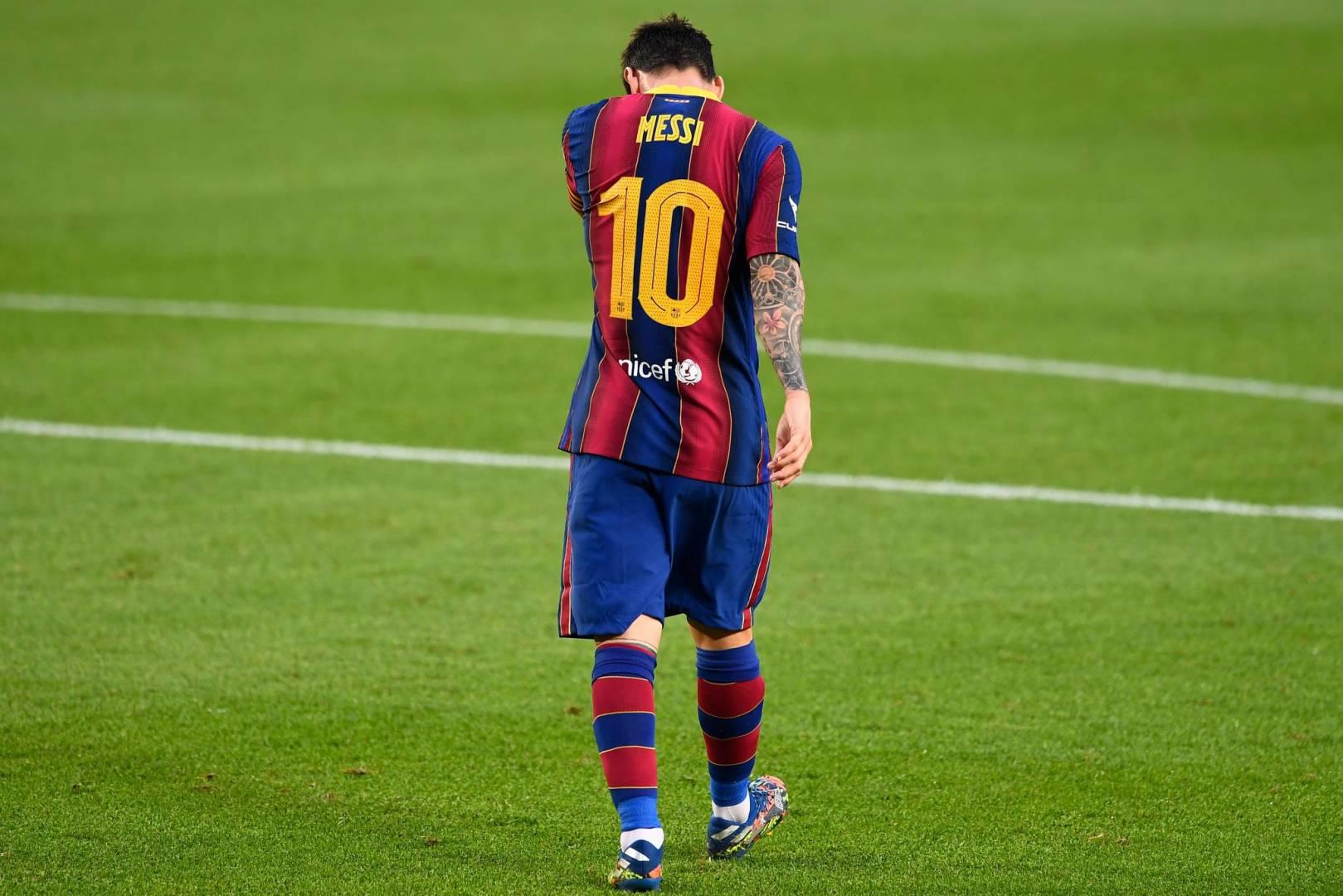 هل سيتخطى ميسي عزلته في برشلونة؟