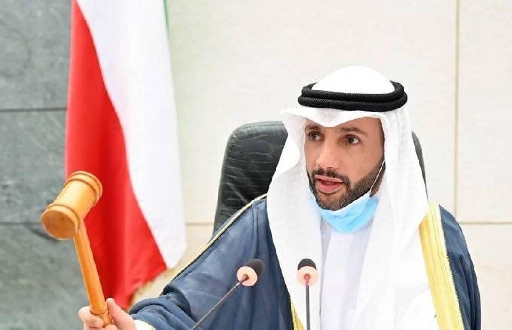 رئيس الوزراء يصل إلى قاعة عبدالله السالم.. والرئيس الغانم يستأنف الجلسة