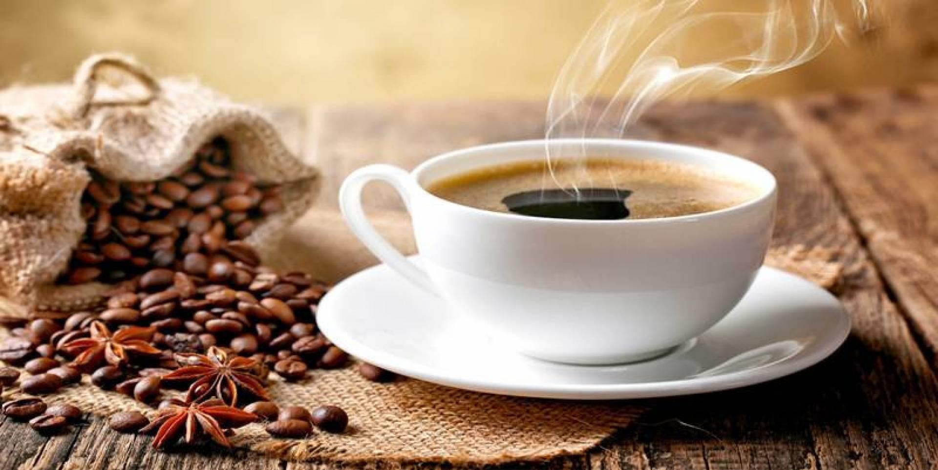 دراسة حديثة تحذر من تناول القهوة قبل الإفطار