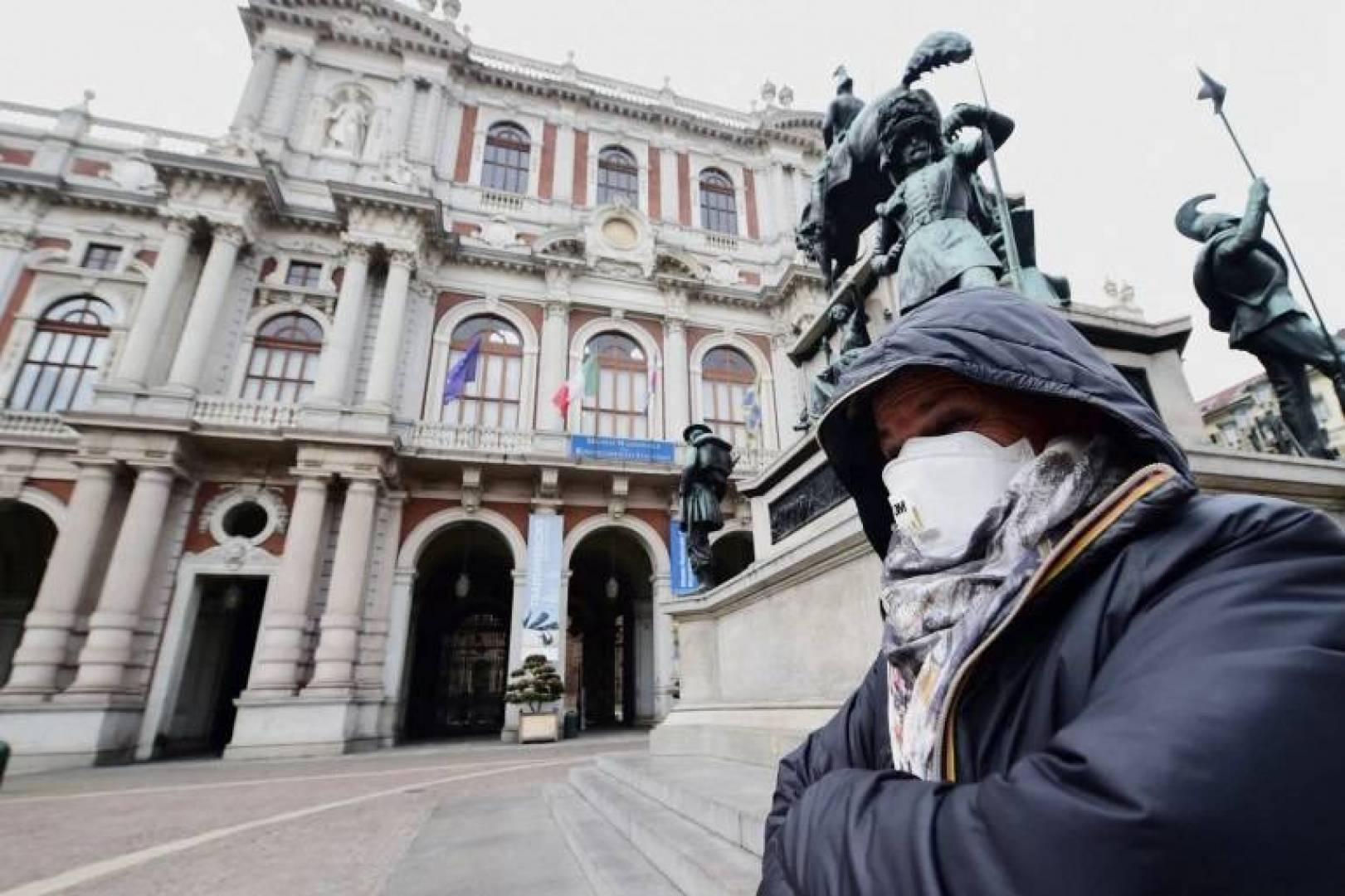 إيطاليا تدرس فرض قيود جديدة لمواجهة كورونا مع زيادة الإصابات