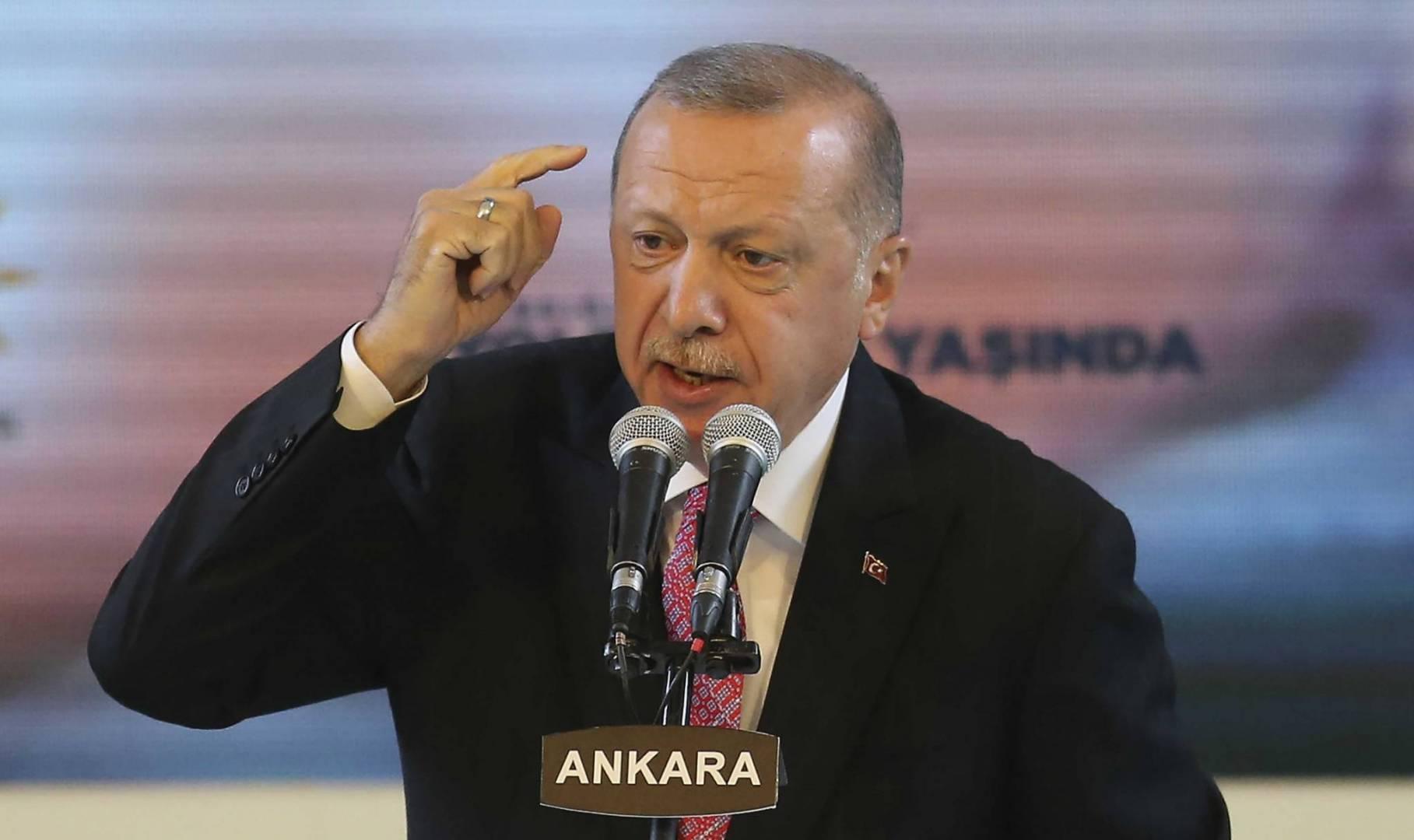 أردوغان: الرئيس الفرنسي بحاجة إلى «فحص صحته العقلية»