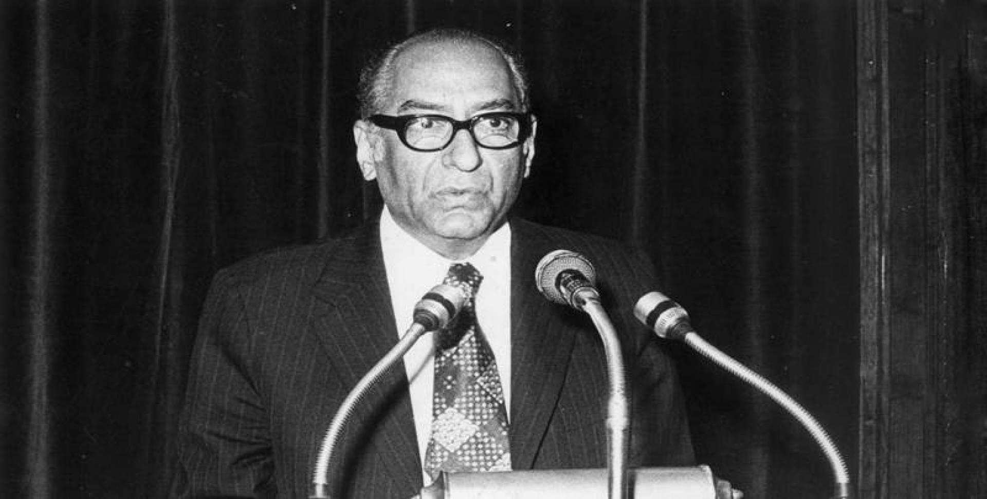 1974  عبدالعزيز حسين : سوريا لم تكن وحدها أمام إسرائيل  فالجيش الكويتي شارك في القتال