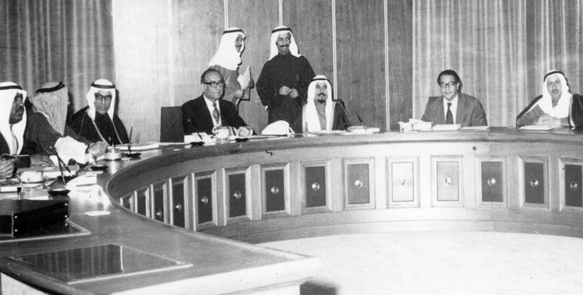 اجتماع مجلس الوزراء برئاسة الشيخ جابر الأحمد الجابر.. صورة أرشيفية