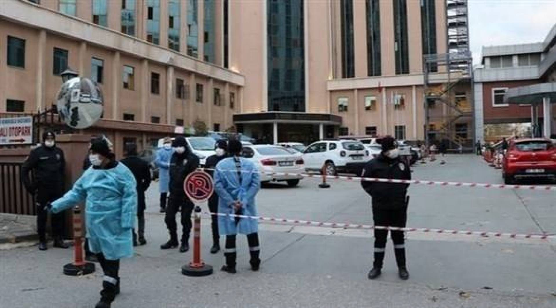 مقتل 8 في حريق بوحدة لرعاية مرضى كورونا في تركيا