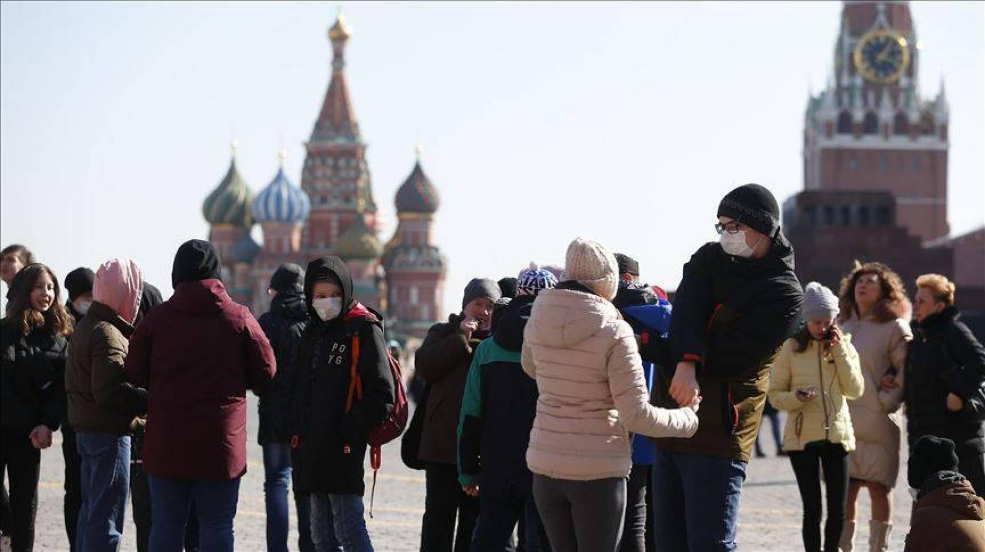 بعيدًا عن القيود الأوروبيّة...روسيا تحارب كورونا على طريقتها