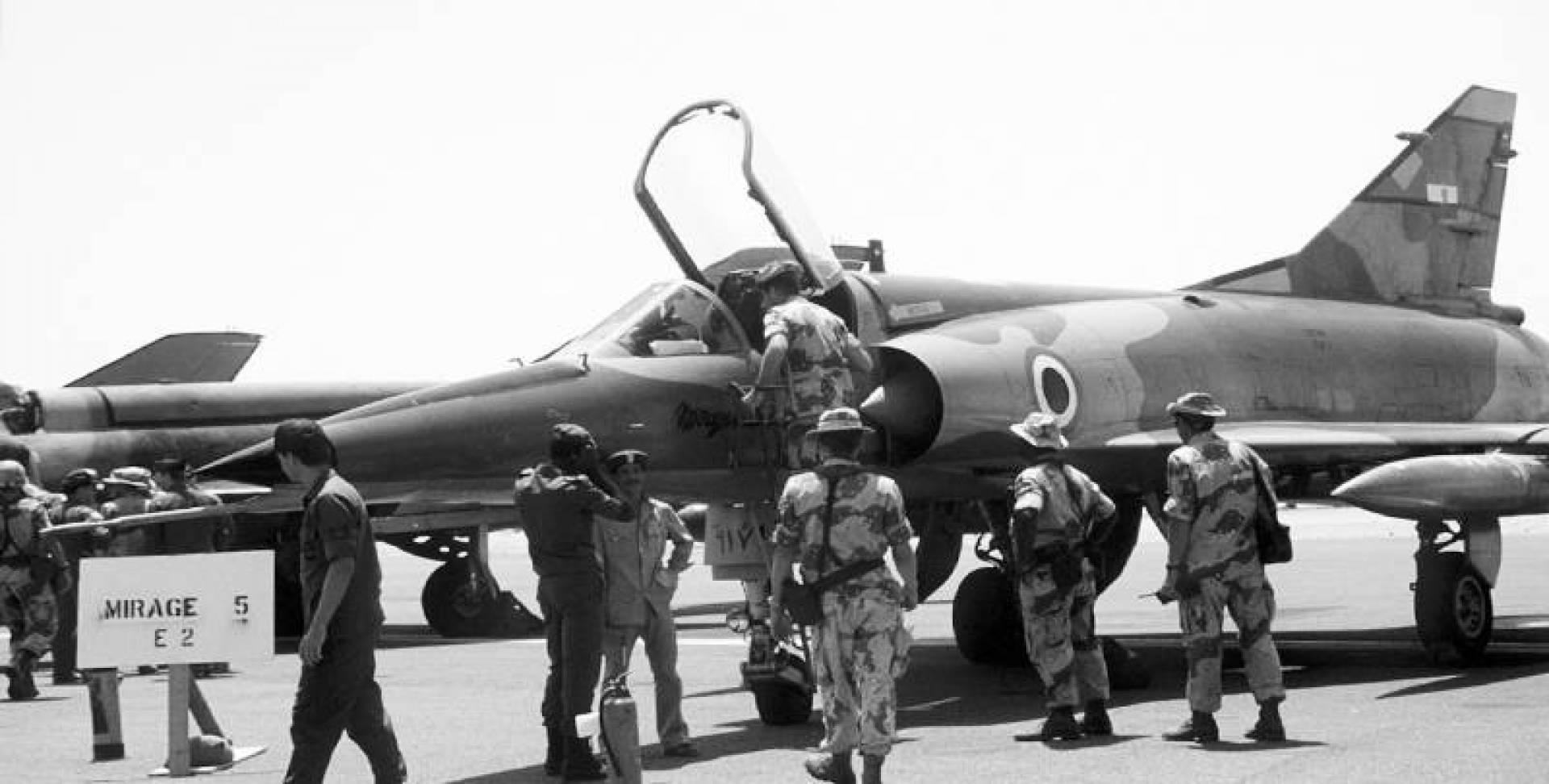1974| بعد بيعها بشكل سري عبر وسيط خليجي.. طائرات ميراج فرنسية تخدم في سلاح الطيران المصري