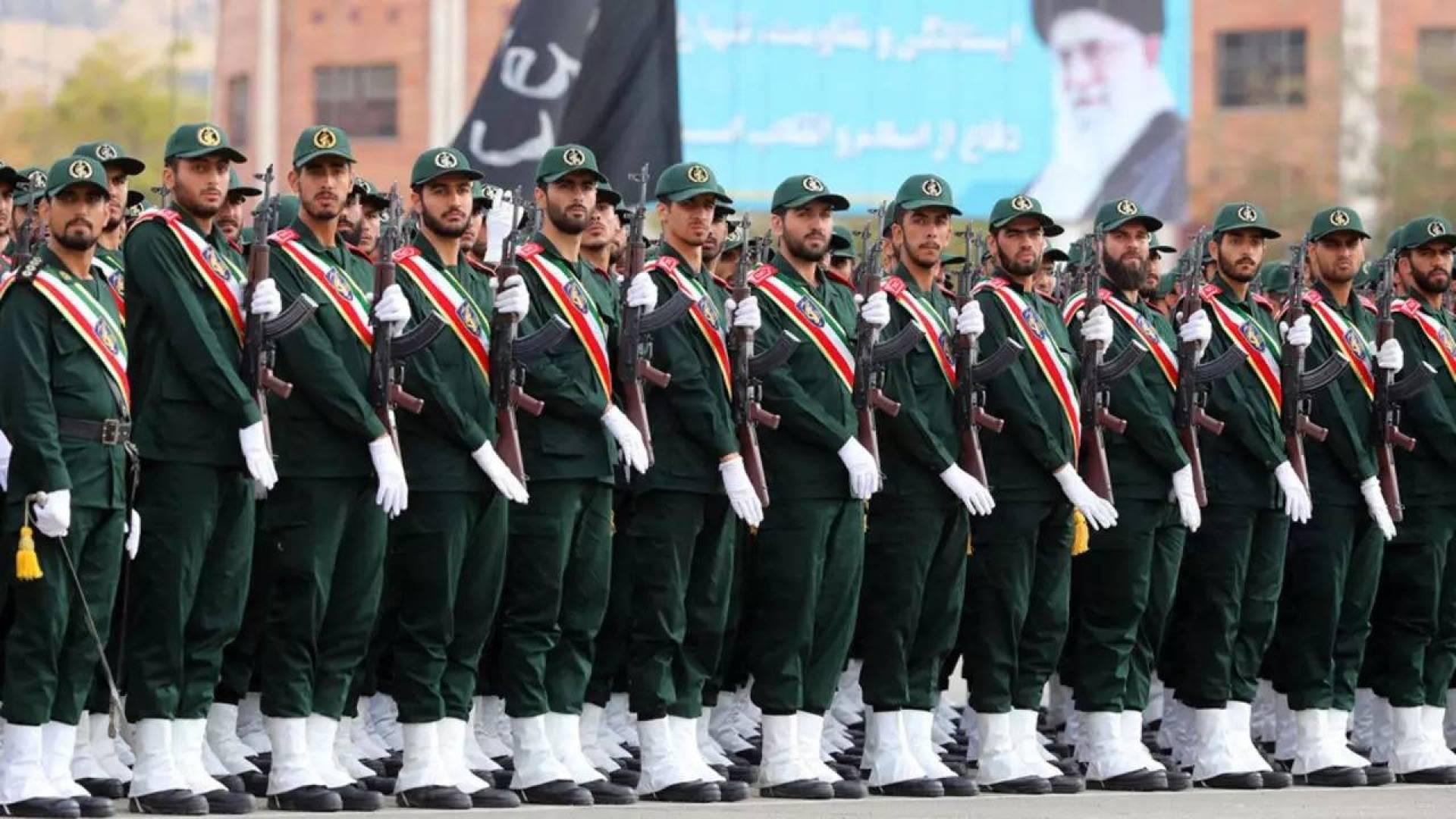 حالة تأهب قصوى في القواعد العسكرية الإيرانية