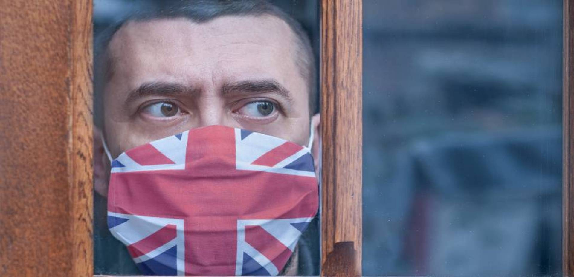 بريطانيا قد تكون تجاوزت ذروة الموجة الثانية من «كورونا»